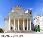 Купить «Храм Basilica Del Santo, Сан-Марино, Италия», фото № 2346005, снято 23 августа 2010 г. (c) Vitas / Фотобанк Лори