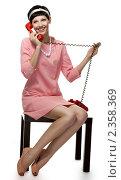 Купить «Девушка, одетая в стиле 60-х годов», фото № 2358369, снято 23 июля 2010 г. (c) Анатолий Типляшин / Фотобанк Лори