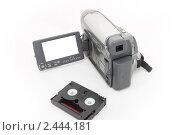 Видеокамера с кассетой. Стоковое фото, фотограф Олег Юрмашев / Фотобанк Лори