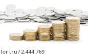 Купить «Пирамида из украинских монет», фото № 2444769, снято 2 апреля 2011 г. (c) Лищук Руслан Викторович / Фотобанк Лори