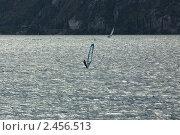Купить «Виндсерфинг на озере Гарда», фото № 2456513, снято 17 августа 2010 г. (c) Анастасия Золотницкая / Фотобанк Лори