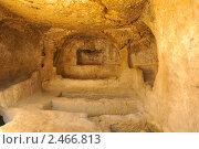 Погребальная пещера с углублением (Матала, о. Крит) (2009 год). Стоковое фото, фотограф Илья Лиманов / Фотобанк Лори