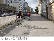 Купить «Велосипедная дорожка в Турку», фото № 2483469, снято 3 августа 2009 г. (c) Андрей Ерофеев / Фотобанк Лори