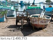Лодки и велосипеды в морском порту (2011 год). Стоковое фото, фотограф Мария Исаченко / Фотобанк Лори