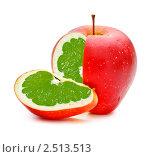 Яблоко с мякотью из грейпфрута. Стоковое фото, фотограф Петр Малышев / Фотобанк Лори
