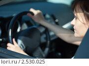 Купить «Женщина за рулем автомобиля», фото № 2530025, снято 4 мая 2011 г. (c) Яков Филимонов / Фотобанк Лори