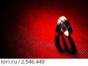 Купить «Обручальные кольца», фото № 2546449, снято 23 октября 2010 г. (c) Фадеева Марина / Фотобанк Лори