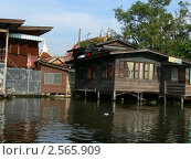 Бангкок. Каналы. Дом на сваях (2010 год). Стоковое фото, фотограф Баранов Александр / Фотобанк Лори