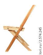 Купить «Деревянный складной стул», фото № 2574245, снято 23 января 2011 г. (c) Михаил Коханчиков / Фотобанк Лори