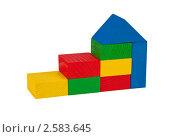 Постройка из блоков деревянного конструктора. Стоковое фото, фотограф Алексей Климков / Фотобанк Лори