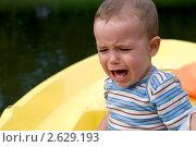 Плачущий мальчик. Стоковое фото, фотограф Ксения Кузнецова / Фотобанк Лори