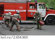 Купить «Развёртывание пожарной техники», эксклюзивное фото № 2654865, снято 25 мая 2011 г. (c) Free Wind / Фотобанк Лори