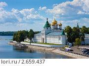 Купить «Православный Свято-Троицкий Ипатьевский монастырь в г. Кострома», фото № 2659437, снято 14 июля 2011 г. (c) ElenArt / Фотобанк Лори