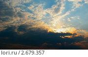 Купить «Плывущие облака на закате. Таймлапс», видеоролик № 2679357, снято 18 апреля 2010 г. (c) Алексас Кведорас / Фотобанк Лори