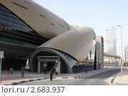 Станция метро в Дубай (2011 год). Редакционное фото, фотограф Евгений Можаровский / Фотобанк Лори