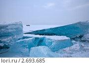 Купить «Байкальский лед. Голубые торосы. Хивус», фото № 2693685, снято 23 января 2010 г. (c) Виктория Катьянова / Фотобанк Лори