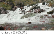 Купить «Каменное русло горной реки», видеоролик № 2705313, снято 7 сентября 2010 г. (c) Юрий Пономарёв / Фотобанк Лори
