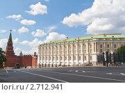 Купить «Москва. Виды Кремля. Оружейная палата и Боровицкая башня», эксклюзивное фото № 2712941, снято 30 июля 2011 г. (c) Lora / Фотобанк Лори