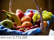 Купить «Фруктовая корзина», фото № 2713265, снято 19 июня 2010 г. (c) Донцов Евгений Викторович / Фотобанк Лори