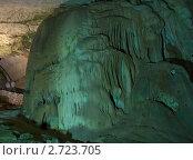 Купить «Интересные фигуры в Мраморной пещере на Чатыр-Даге», фото № 2723705, снято 26 июля 2011 г. (c) Григорий Стоякин / Фотобанк Лори