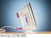 Купить «Современный электрический утюг», фото № 2742305, снято 1 августа 2010 г. (c) Elnur / Фотобанк Лори