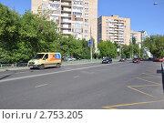 Купить «Москва, улица Маршала Бирюзова», эксклюзивное фото № 2753205, снято 12 июня 2011 г. (c) Дмитрий Абушкин / Фотобанк Лори