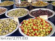 Купить «Оливки и маслины», фото № 2771033, снято 24 июля 2011 г. (c) Илюхина Наталья / Фотобанк Лори