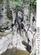 Купить «Агурское ущелье, пересохшая Чертова купель летом», фото № 2772689, снято 17 августа 2011 г. (c) Анна Мартынова / Фотобанк Лори