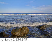 Купить «Морской прибой и валуны на переднем плане», фото № 2834849, снято 3 сентября 2010 г. (c) Олег Рубик / Фотобанк Лори