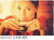 Девочка пьет молоко из крынки. Ретро открытка. Стоковое фото, фотограф Моисеева Ирина / Фотобанк Лори