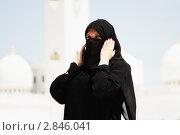 Купить «Арабская женщина в мечети шейха Заида. Абу-Даби», эксклюзивное фото № 2846041, снято 14 сентября 2011 г. (c) Екатерина Воякина / Фотобанк Лори