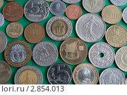 Монеты разных стран. Стоковое фото, фотограф Юлия Петрова / Фотобанк Лори