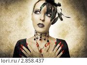 Купить «Портрет девушки с готическим макияжем для хэллоуина, в образе ночного вампира. Ретро стиль», фото № 2858437, снято 20 августа 2011 г. (c) katalinks / Фотобанк Лори