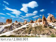 Причудливые скалы в Каппадокии, Турция (2010 год). Стоковое фото, фотограф Сергей Старуш / Фотобанк Лори