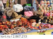 Купить «Русские сувениры на прилавке», эксклюзивное фото № 2867213, снято 8 октября 2011 г. (c) Алёшина Оксана / Фотобанк Лори
