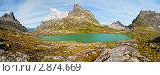 Купить «Озеро в горах», фото № 2874669, снято 12 августа 2011 г. (c) Юлия Бабкина / Фотобанк Лори