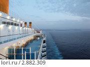 Купить «Вид с палубы круизного теплохода», фото № 2882309, снято 13 апреля 2010 г. (c) Losevsky Pavel / Фотобанк Лори