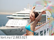 Купить «Девушка в купальнике держит шёлковый шарф на палубе круизного теплохода», фото № 2883021, снято 18 апреля 2010 г. (c) Losevsky Pavel / Фотобанк Лори