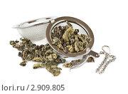 Чайное ситечко с зеленым чаем. Стоковое фото, фотограф Анастасия Мелешкина / Фотобанк Лори