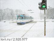 Купить «Зима. Снегопад в городе», фото № 2920977, снято 22 января 2011 г. (c) Vladimirs Koskins / Фотобанк Лори