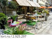 Купить «Уличное кафе в Лионе, Франция», фото № 2925297, снято 13 марта 2008 г. (c) Дмитрий Наумов / Фотобанк Лори