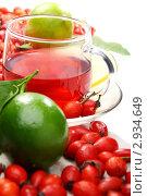 Купить «Витаминный чай с лимоном и шиповником», фото № 2934649, снято 2 ноября 2011 г. (c) Марина Сапрунова / Фотобанк Лори