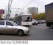 Купить «Москва. Плотное движение на Щелковском шоссе», эксклюзивное фото № 2939833, снято 3 ноября 2011 г. (c) lana1501 / Фотобанк Лори