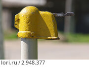 Старая водопроводная колонка. Стоковое фото, фотограф Роман Угольков / Фотобанк Лори