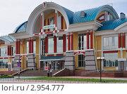 Купить «Бийск. Железнодорожный вокзал», фото № 2954777, снято 26 июня 2011 г. (c) Александр Тараканов / Фотобанк Лори