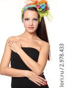 Девушка в платке в черном платье. Стоковое фото, фотограф Светлана  Ковалевская / Фотобанк Лори