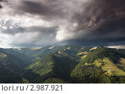 Купить «Горная долина в пасмурный день», фото № 2987921, снято 14 августа 2011 г. (c) Nickolay Khoroshkov / Фотобанк Лори