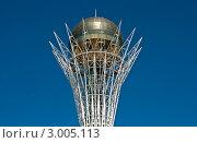 Астана, Байтерек (2011 год). Редакционное фото, фотограф Анатолий Бутырин / Фотобанк Лори