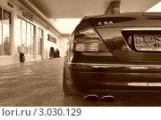 """Мерседес. """"Mercedes benz""""- E55 (2011 год). Редакционное фото, фотограф Гаджи Махмудов / Фотобанк Лори"""