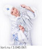 Портрет женщины в наряде Снегурочки с бантом. Стоковое фото, фотограф Павел Сазонов / Фотобанк Лори
